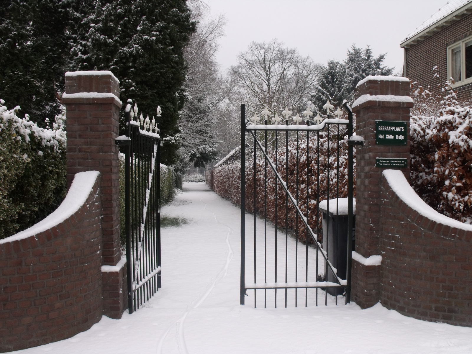 2-toegangshek-in-de-sneeuw-december-2009