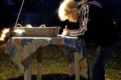 38-Gedenkavond-30-10-2011-steen-beschrijven